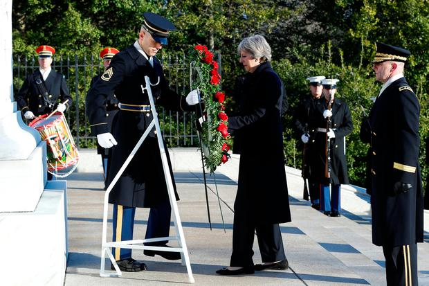 British Prime Minister Theresa May lays a wreath at the Tomb of the Unknown Soldier at Arlington National Cemetery in Washington, U.S., January 27 2017. REUTERS/Yuri Gripas