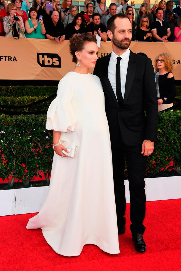 Actress Natalie Portman (L) and choreographer Benjamin Millepied attend the 23rd Annual Screen Actors Guild Awards at The Shrine Expo Hall on January 29, 2017 in Los Angeles, California. (Photo by Alberto E. Rodriguez/Getty Images)