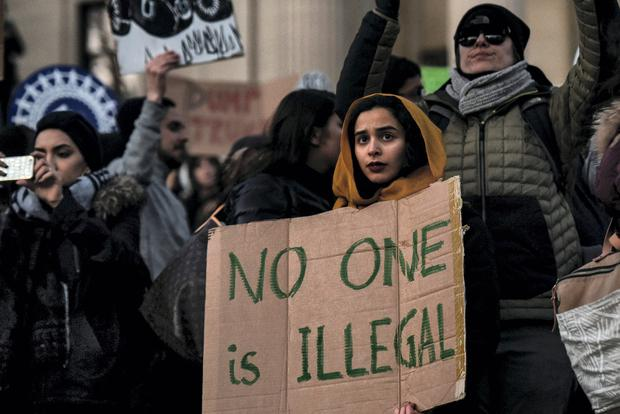People participate in a protest against President Trump's travel ban at Columbia University in New York City. Photo: REUTERS/Stephanie Keith