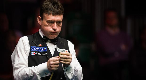 BELFAST, NORTHERN IRELAND - NOVEMBER 14: Jimmy White of England chalks the cue during the first round match against Gareth Allen of Wales on day one of Coral Northern Ireland Open 2016 at Titanic Exhibition Centre on November 14, 2016 in Belfast, Northern Ireland. (Photo by Tai Chengzhe/VCG via Getty Images)