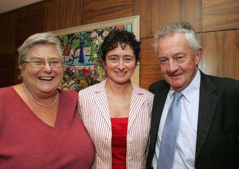 Pat O'Malley and her husband Des O'Malley, with their daughter Fiona (centre)