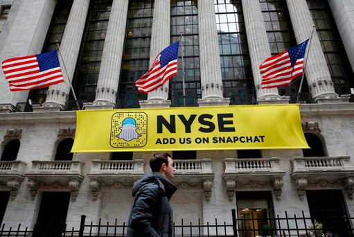 A Snapchat sign hangs on the facade of the New York Stock Exchange (NYSE) Photo: Reuters