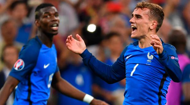 Manchester United are going to spend big to bring Antoine Griezmann to Old Trafford, where he will team up with his French team-mate Paul Pogba. Photo: Bertrand Langlois/Getty Images
