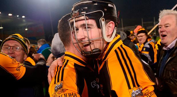 Tony Kelly of Ballyea celebrates with team mates after the AIB GAA Hurling All-Ireland Senior Club Championship Semi-Final match between St Thomas' and Ballyea at Semple Stadium in Thurles, Co Tipperary. Photo by Eóin Noonan/Sportsfile
