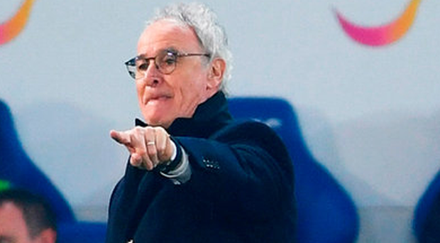 Leicester manager Claudio Ranieri points from the touchline during the Premier League match against Manchester United. Photo: Laurence Griffiths/Getty Images