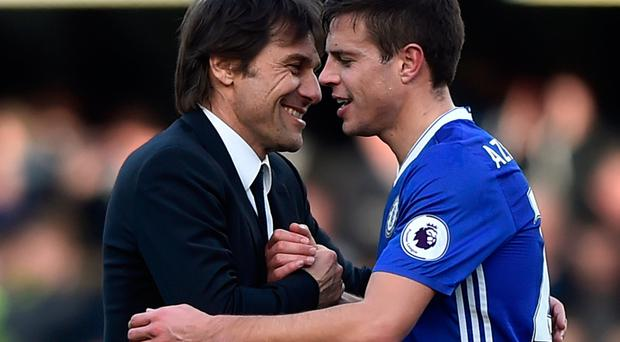Chelsea manager Antonio Conte and Cesar Azpilicueta celebrate after the game