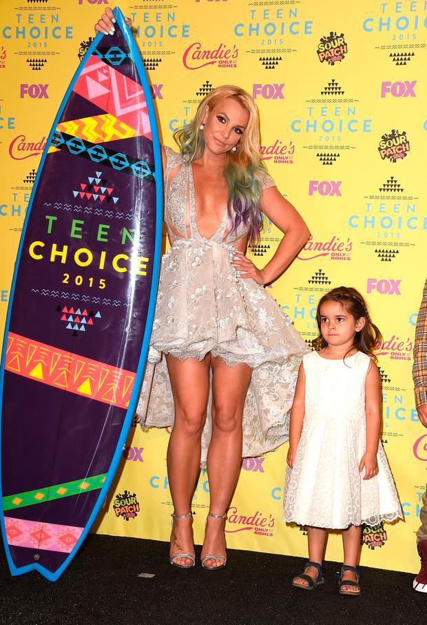 Maddie Briann Aldridge, Britney Spears poses in the press room at the Teen Choice Awards 2015 at Galen Center on August 16, 2015 in Los Angeles, California. (Photo by Steve Granitz/WireImage)