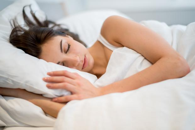 What to eat before bed if you want a good night's sleep – and what to avoid. Image: Getty