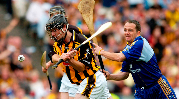 Clare's Davy Fitzgerald (right) trying to prevent Eoin McCormack scoring a goal for Kilkenny in the 2006 All-Ireland SHC semi-final – which was the last time the counties clashed in the championship Picture: Matt Browne / SPORTSFILE