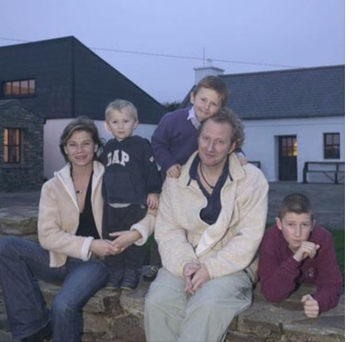 Camilla Grieshal and her late husband Colin Vearncombe, together with their three kids Photo: Ray D'Arcy Show