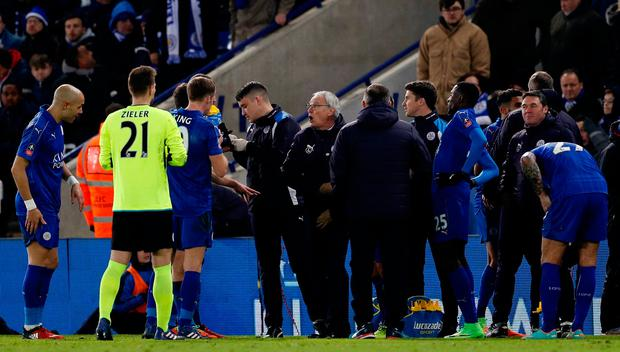 Leicester City manager Claudio Ranieri speaks to his players at half-time of extra-time. Photo: REUTERS