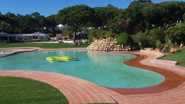 The pool area in Cascais