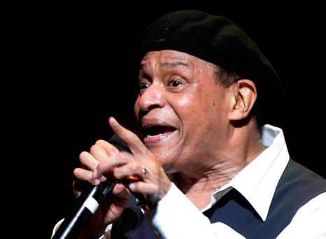 Al Jarreau performs on stage at the Vienna State Opera House as part of the annual Vienna Jazz FestivalIN Vienna, Austria on July 5, 2007. REUTERS/Herwig Prammer/File Photo