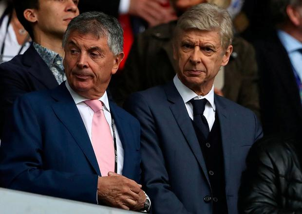 David Dein's departure from Arsenal saw more work land on the desk of manager Arsene Wenger. Photo: Matthew Ashton - AMA/Getty Images