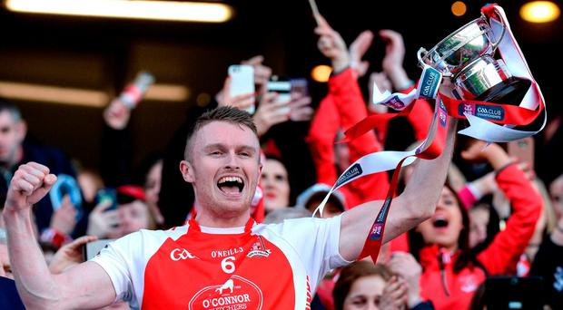Mayfield captain Shane O'Donovan lifts the cup after the AIB GAA Hurling All-Ireland Junior Club Championship final match between Mayfield and Mooncoin at Croke Park in Dublin. Photo by Piaras Ó Mídheach/Sportsfile