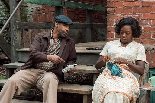 Troy (Denzel Washington) and his wife Rose (Viola Davis) in 'Fences'