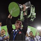 28 October 2016; Dundalk manager Stephen Kenny lifts the SSE Airtricity League Premier Division trophy after the SSE Airtricity League Premier Division match between Dundalk and Galway United at Oriel Park in Dundalk Co Louth. Photo by David Maher/Sportsfile