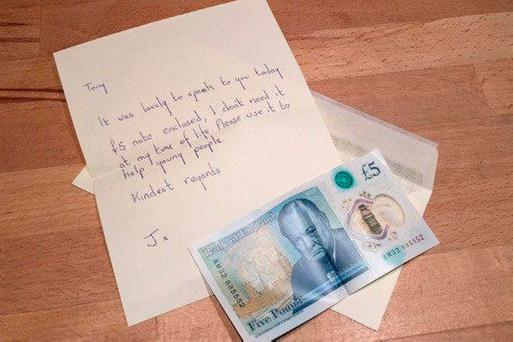 The note sent by the woman with the engraved £5 note