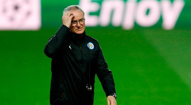 Leicester City manager Claudio Ranieri during training. Action Images via Reuters / John Sibley