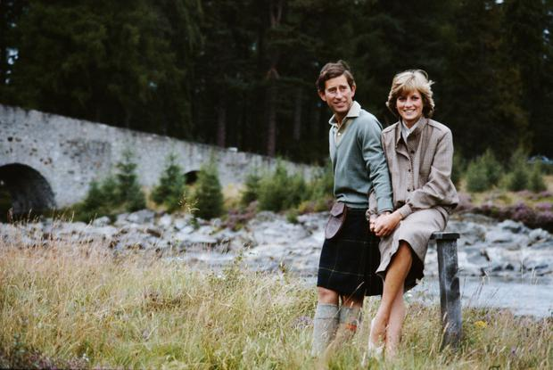 Prince Charles and Princess Diana pose together during their honeymoon in Balmoral, Scotland, 19th August 1981. (Photo by Serge Lemoine/Getty Images)