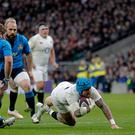 TWICKENHAM, ENGLAND - FEBRUARY 26: Jack Nowell of England scores a try during the RBS 6 Nations match between England and Italy, at Twickenham Stadium on February 26, 2017 in London, England. (Photo by Mitchell Gunn/Getty Images)