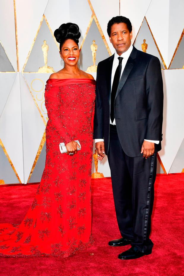 Pauletta Washington (L) and actor Denzel Washington attend the 89th Annual Academy Awards at Hollywood & Highland Center on February 26, 2017 in Hollywood, California. (Photo by Frazer Harrison/Getty Images)