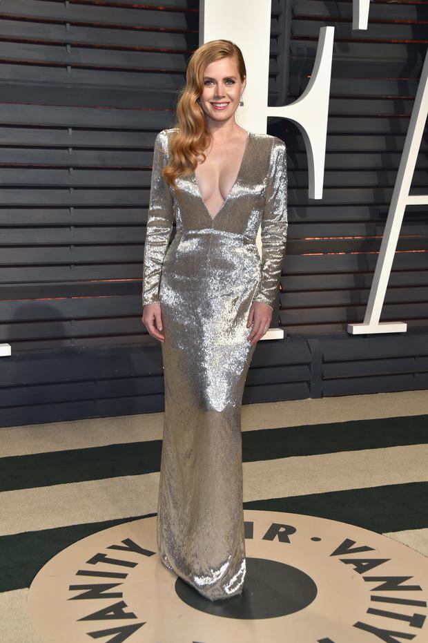 4b74c46f2c4 Actor Amy Adams attends the 2017 Vanity Fair Oscar Party hosted by Graydon  Carter at Wallis Annenberg Center for the Performing Arts on February 26
