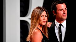 Actors Justin Theroux (L) and Jennifer Aniston attends the 2017 Vanity Fair Oscar Party hosted by Graydon Carter at Wallis Annenberg Center for the Performing Arts on February 26, 2017 in Beverly Hills, California. (Photo by Pascal Le Segretain/Getty Images)