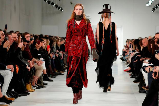 Lorna Foran for British designer John Galliano as part of his Fall/Winter 2017-2018 women's ready-to-wear collection for Maison Margiela fashion house during Fashion Week in Paris, France March 1, 2017. REUTERS/Gonzalo Fuentes