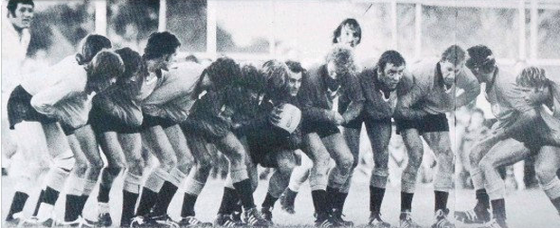 Country players line up for the famous 'Up The Jumper' move back in 1975.
