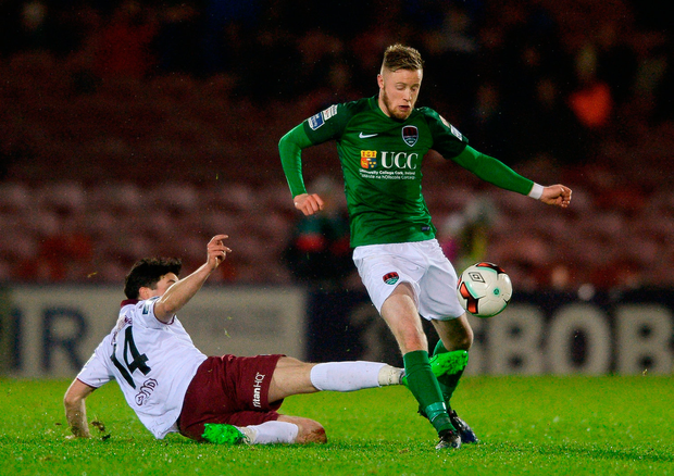 Kevin O'Connor of Cork City in action against Kevin Devaney of Galway United. Photo by Eóin Noonan/Sportsfile