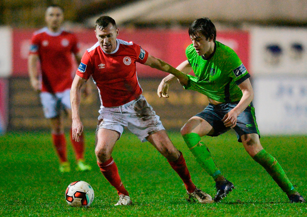 Jake Hyland of Drogheda United in action against Patrick Cregg of St. Patrick's Athletic. Photo by Piaras Ó Mídheach/Sportsfile