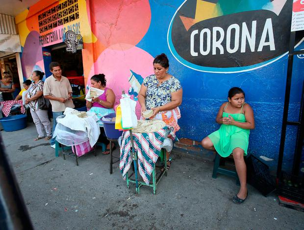Street vendors pictured selling their tortilla's on the streets of El Progreso , Honduras.Picture Credit : Frank Mc Grath