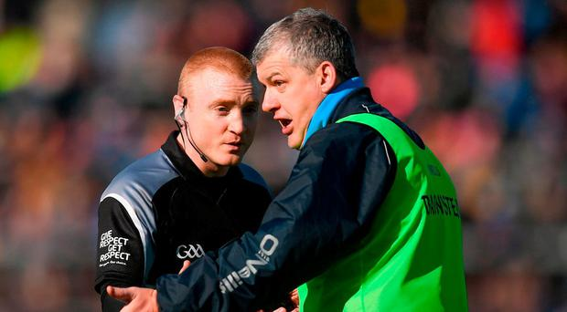 Roscommon boss Kevin McStay takes issue with referee Barry Cassidy. Photo: Stephen McCarthy/Sportsfile
