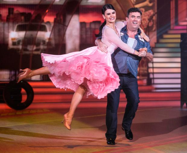 RTÉ's Des Cahill shows off his lift with dancer Karen Byrne on Sunday night's show. Photo: Kyran O'Brien