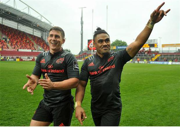 7 May 2016; Ian Keatley, left and Francis Saili, right, Munster, acknowleges the crowd after the game. Guinness PRO12, Round 22, Munster v Scarlets. Thomond Park, Limerick. Picture credit: Eóin Noonan / SPORTSFILE
