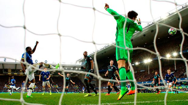 Romelu Lukaku of Everton scores his sides third goal past goalkeeper Ben Foster of West Bromwich Albion. Photo: Getty