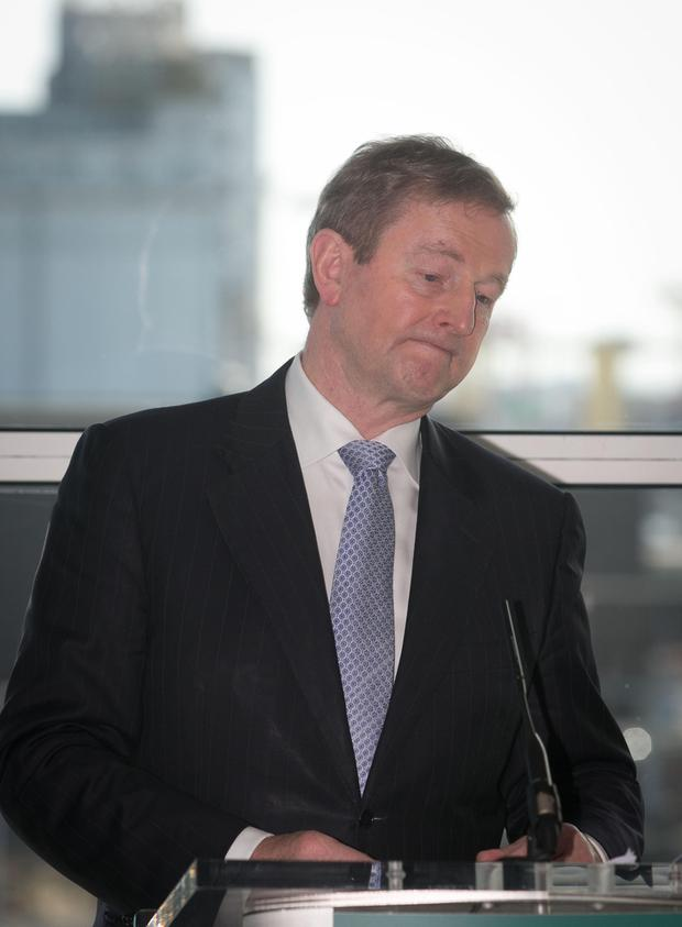 Enda Kenny may have to cut his US trip short as 22 inches of snow predicted to fall today