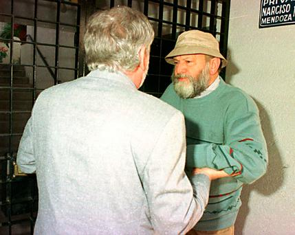 Journalist Gordon Thomas confronts Eamonn Casey in Mexico in 1993. Photo: Collins