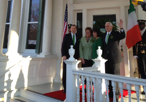 Taoiseach Enda Kenny and his wife Fionnuala arrive at US VP Mike Pence's home
