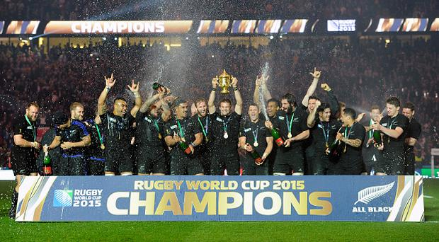 October 31, 2015: New Zealand's Richie McCaw lifts the Webb Ellis Trophy after New Zealand defeats Australia 34-17 at the 2015 Rugby World cup Championship match at Twickenham Stadium in London. (Photo by Andrew Patron/Icon Sportswire)