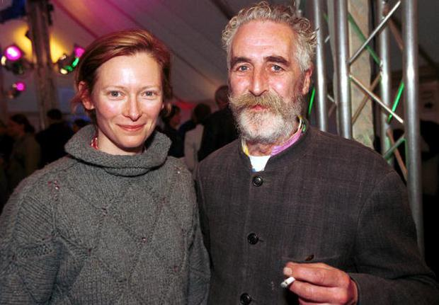 Actress Tilda Swinton and partner artist John Byrne attend the book launch for the 100th Canongate Classic at the National Gallery on April 27, 2004 in Edinburgh, Scotland. (Photo by M Neilson/Getty Images)