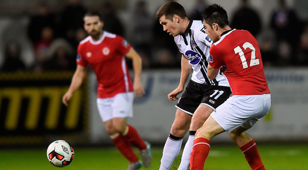 Patrick McEleney of Dundalk in action against Lee Desmond of St. Patricks Athletic during the SSE Airtricity League Premier Division match between Dundalk and St Patrick's Athletic at Oriel Park in Dundalk, Co Louth. Photo by Eóin Noonan/Sportsfile