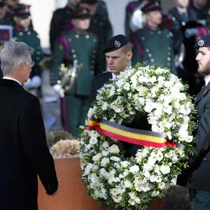 Belgium's King Philippe lays a wreath during a ceremony in Brussels to commemorate the first anniversary of twin attacks at Brussels airport and a metro train in Brussels, Belgium, March 22, 2017. Photo: REUTERS/Yves Herman