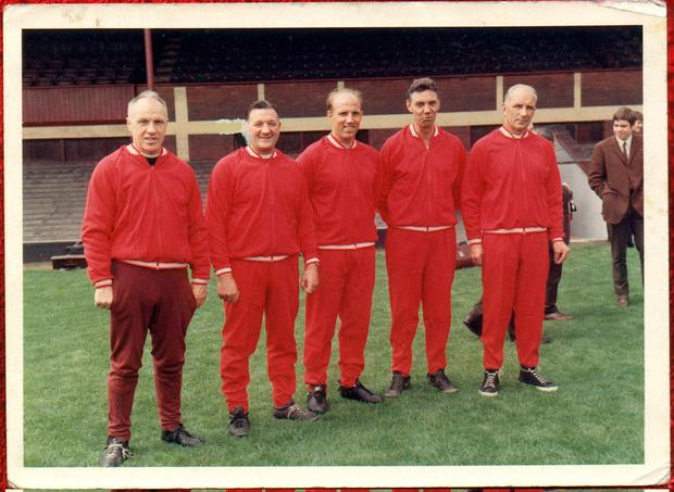 Moran (c) next to Bill Shankley, Bob Paisley, Fagan and Reuben Bennett. Photo: Liverpool FC via Getty Images
