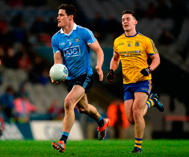 Diarmuid Connolly of Dublin in action against John McManus of Roscommon. Photo by Daire Brennan/Sportsfile