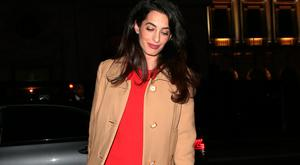 Amal Clooney arrives at Villandry restaurant after attending International crimes in Syria and Iraq - Chatham House discussion on March 29, 2017 in London, England. (Photo by Ricky Vigil/GC Images)