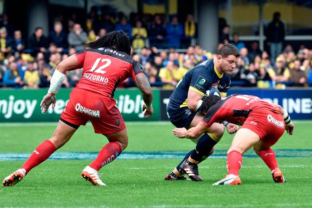 Clermont's French hooker Benjamin Kayser is tackled Photo: THIERRY ZOCCOLAN/AFP/Getty Images
