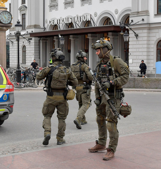 Police officers are seen outside Stockholm Central station after the truck attack Photo: Jessia Gow / TT News Agency via REUTERS