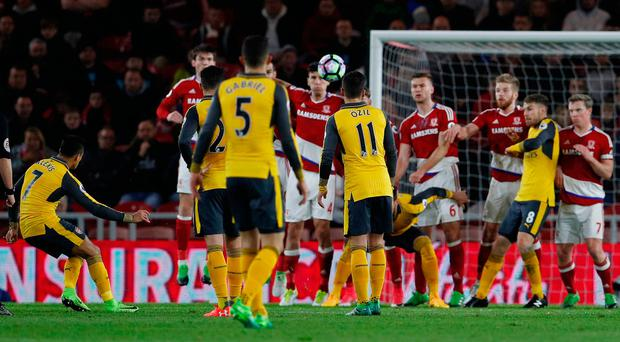 Arsenal scores rare win away at Middlesborough